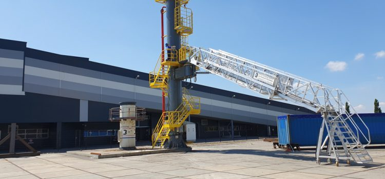 The expert to help manufacture the ideal gangway